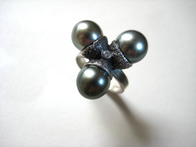 Tahitian Acorns with Diamond