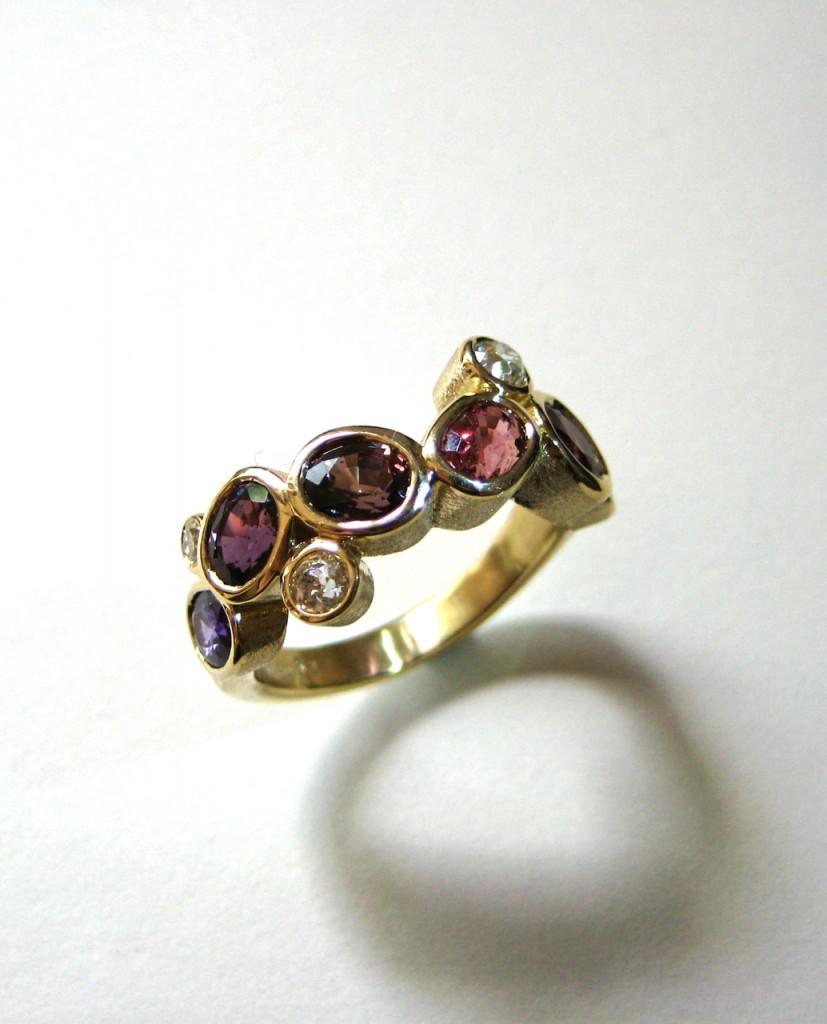 sapphire_diamond_ring
