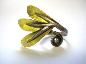 Wrap-around Winged ring