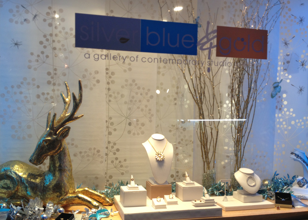 Silver Blue & Gold displays Alexandra