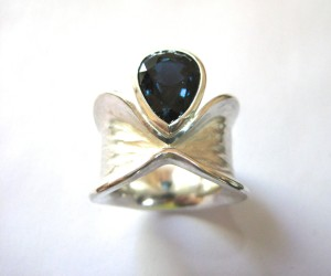 Sterling Bow-Ring