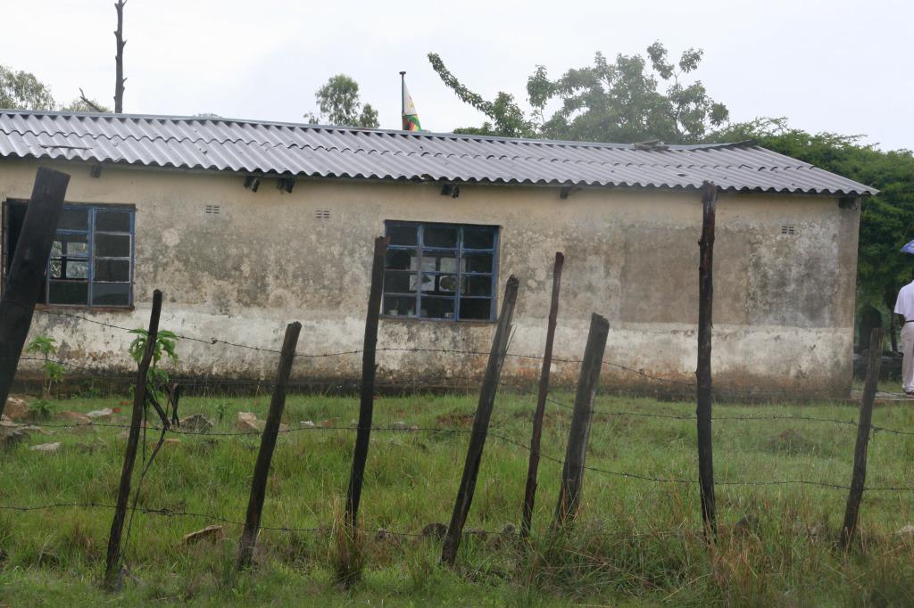Chimudoro School, crumbling